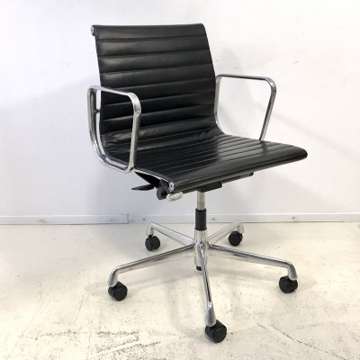 3 x EA117 office chair by Charles & Ray Eames for Vitra, 1990s