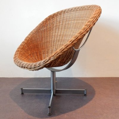 Rattan swivel chair by Dirk van Sliedregt for Gebroeders Jonkers, 1960's