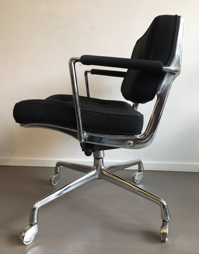 Intermediate office chair by Charles & Ray Eames for Herman Miller, 1960s