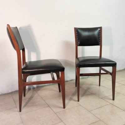 Pair of mod. 111 chairs by Gio Ponti for Cassina, 1950s