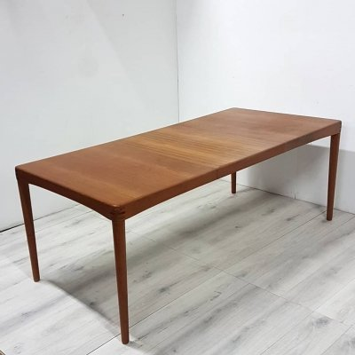 Mid century teak extendable dining table by HW Klein for Bramin, Denmark 1960s