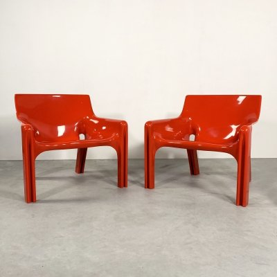 Pair of Red Vicario Lounge Chairs by Vico Magistretti for Artemide, 1970s