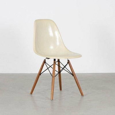 DSW dining chair by Charles & Ray Eames for Herman Miller, 1960s