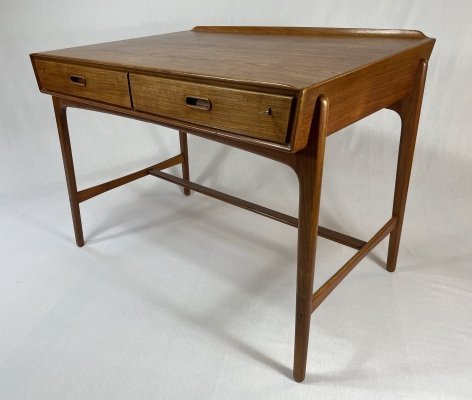 Teak wood desk by Svend Aage Madsen for Sigurd Hansen, 1950s