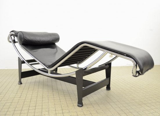 Cassina Lc4 'chaise longue' by Le Corbusier, Perriand & Jeanneret, 1990s
