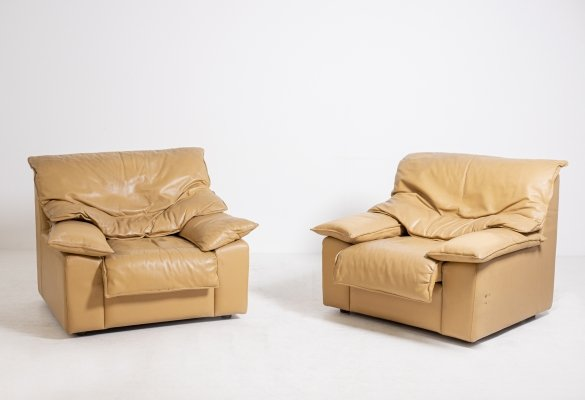Pair of italian armchair in camel leather, 1970s