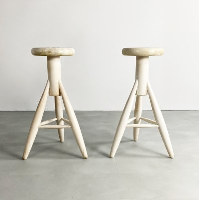 Pair of Two white lacquered oak 'Rocket' bar stools by Eero Aarnio for Artek, 1990s