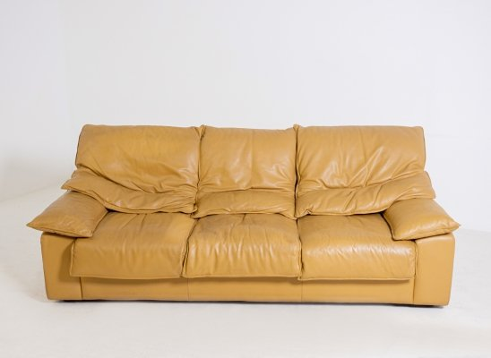 Vintage Italian three seater sofa in camel-colored leather, 1970s