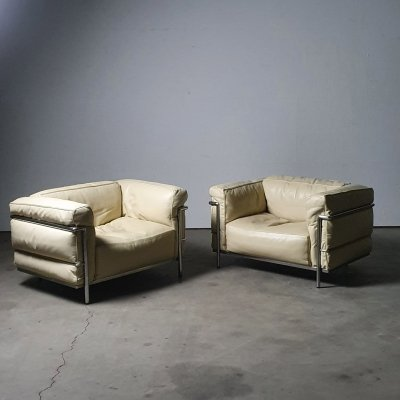 Very early Cassina production LC3 by Le Corbusier (Nr. 0075 & 0112)