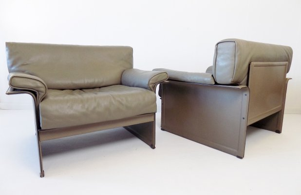 Pair of Matteo Grassi gray leather KM armchairs by Tito Agnoli