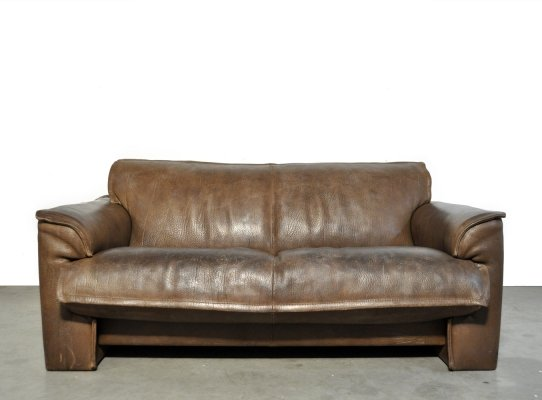 Neck leather 2-seater sofa by Hugo de Ruiter for Leolux, Netherlands 1970s