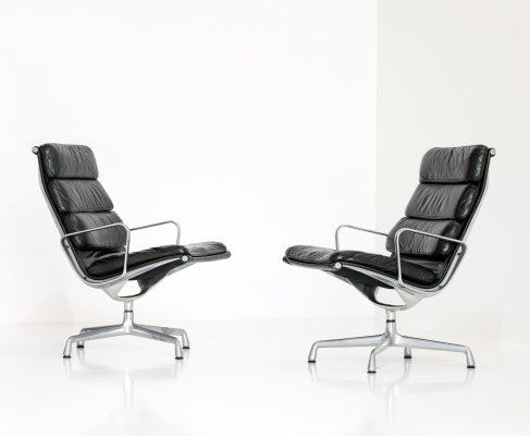 Pair of EA216 lounge chairs by Charles & Ray Eames for Herman Miller, 1970s