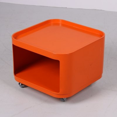 Orange Space Age 'Componibili' side table with wheels by Anna Castelli Ferrieri for Kartell, 1970s