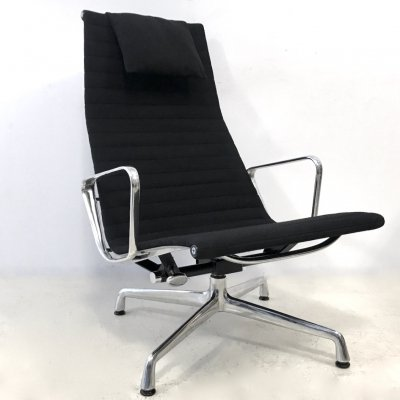 2 x EA124 lounge chair by Charles & Ray Eames for Herman Miller, 1970s