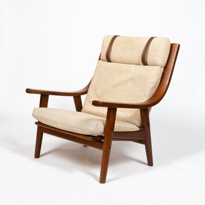 GE 530 oak armchair with white woolen cushion by Hans Wegner for Getama, 1970s
