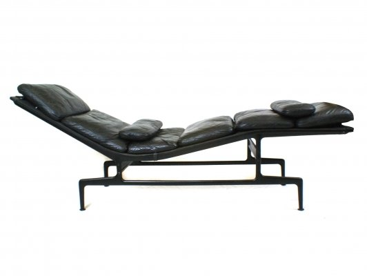 Black leather soft pad ES106 chaise by Charles & Ray Eames for Herman Miller/ICF, 1970s