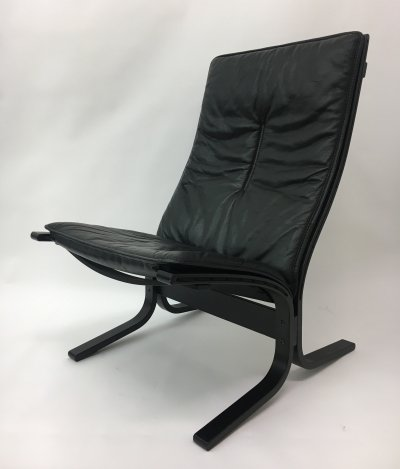 Mid-Century design black leather lounge chair by Ingmar Relling for Westnofa