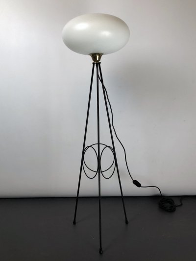 Iconic Italian brass, lacquer & triplex opaline glass tripod lamp by Stilnovo