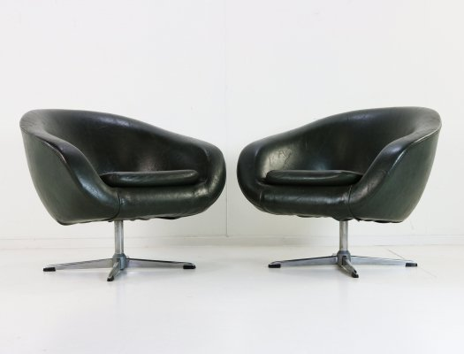 Pair of lounge chairs by Carl Eric Klote for Overman Sweden, 1970s