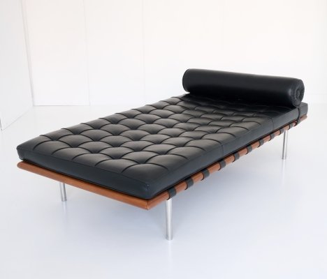 Barcelona daybed by Ludwig Mies van der Rohe for Knoll, 1980s