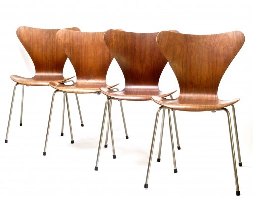 4 early 3107 Chairs in Teak by Arne Jacobsen for Fritz Hansen