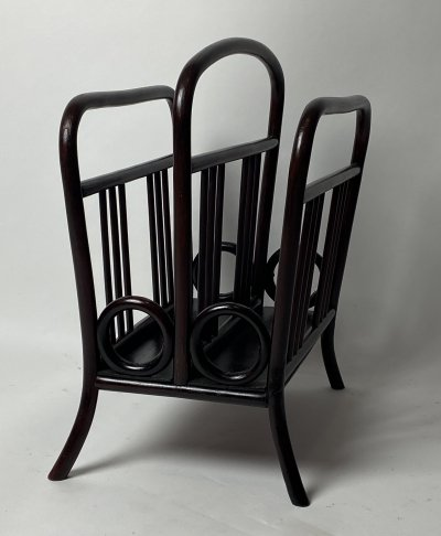 Newspaper / magazine holder no.33 by Thonet