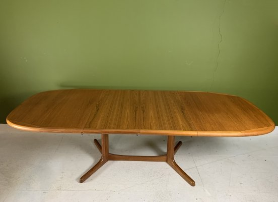 Vintage extendable dining table from Dyrlund