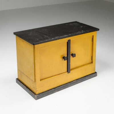 Dry bar cabinet by Dutch Modernist Hendrik Wouda, 1924