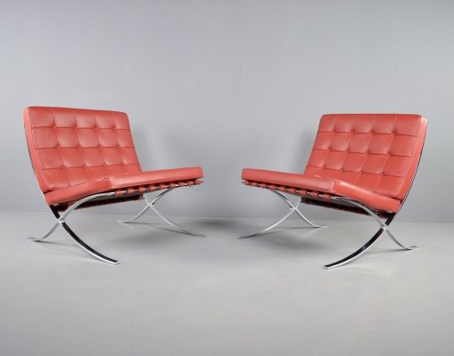Set of 2 Barcelona chairs in red leather by Ludwig Mies van der Rohe for Knoll, 1990s