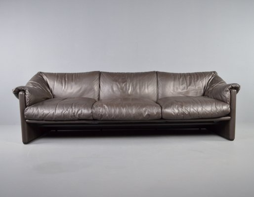 Cassina by Probjeto 'Babalao' leather 3 seater sofa by Vico Magistretti, 1970s
