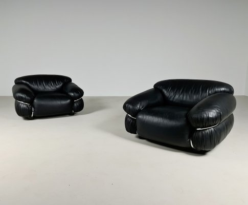 Set of 2 original black leather Sesann chairs by Gianfranco Frattini for Cassina