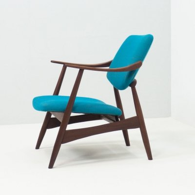 Wébé lounge chair by Louis van Teeffelen