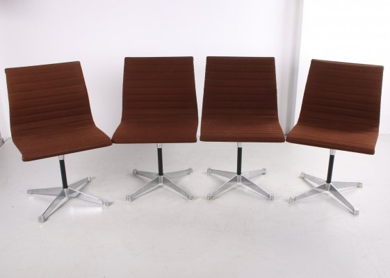 Set of 4 EA 106 Aluminum chairs by Charles & Ray Eames for Herman Miller, 1970s