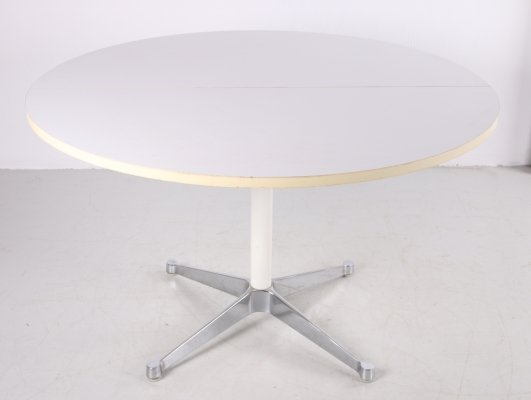Round dining table by Charles & Ray Eames for Herman Miller, 1970s