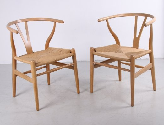 Set of two oak CH24 'Wishbone' chairs by Hans J. Wegner for Carl Hansen, 1960