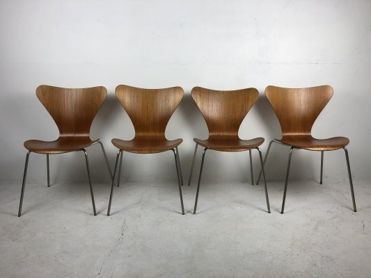 Early set of 4 Teak 'Series 7' Chairs by Arne Jacobsen for Fritz Hansen, 1950s
