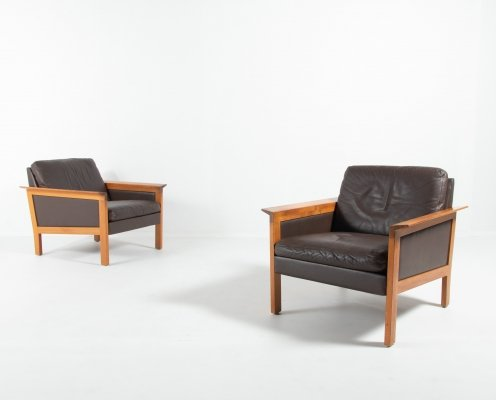 Hans Olsen set of 2 lounge armchairs in brown leather, Denmark 1970's