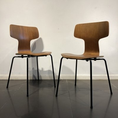 Early Pair of 'Hammer' Chairs by Arne Jacobsen for Fritz Hansen, 1960s