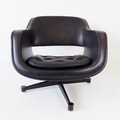 Asko Oy black leather armchair by Olli Mannermaa, 1970s