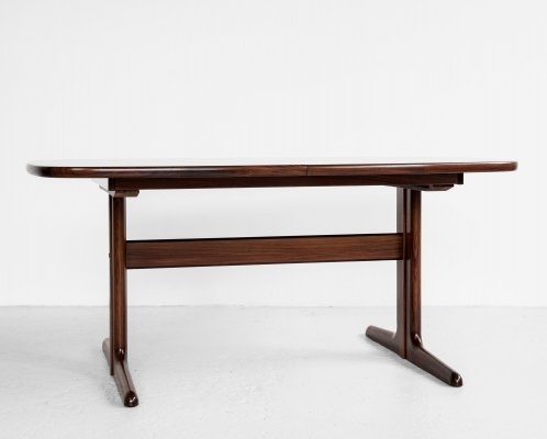 Midcentury Danish oval pedestal leg dining table in rosewood by Skovby, 1960s