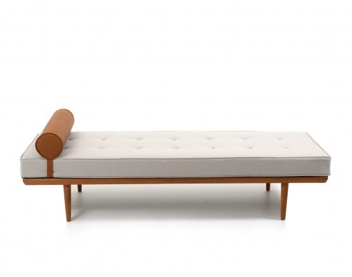 Early GE-19 Daybed by Hans J. Wegner, 1950s