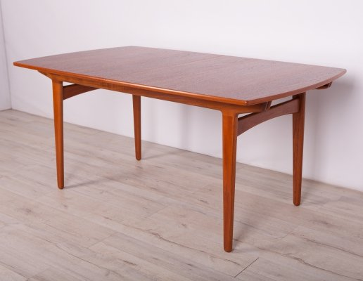 Mid Century Teak Extendable Dining Table by Knud Andersen for J.C.A. Jensen, 60s