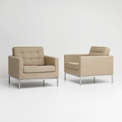 Early edition pair of mid-century lounge chairs by Florence Knoll, 1960
