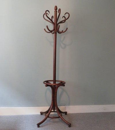 Standing coat rack Nr 6 by Thonet, 1930s