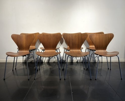 Early set of 8 'Series 7' Chairs by Arne Jacobsen for Fritz Hansen, 1960s
