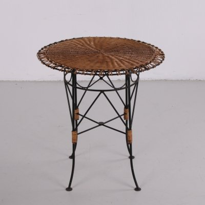 Round wicker side table with metal frame, 1960s