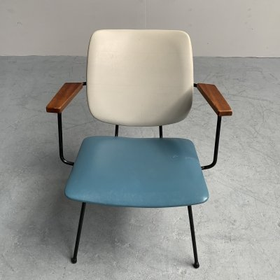 Minimalist Easy Chair by W.H. Gispen for Kembo, Netherlands 1950s