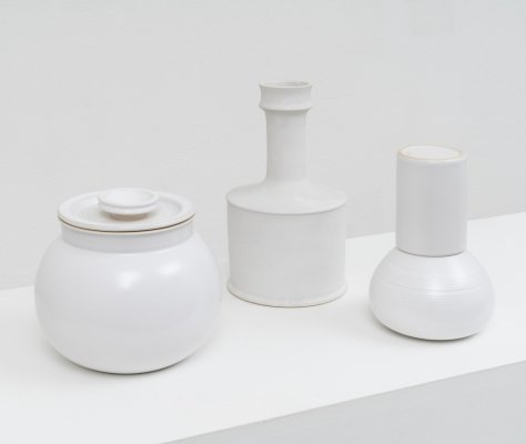 Stoneware white vase, pitcher & ashtray by Franco Bucci for Laboratorio Pesaro