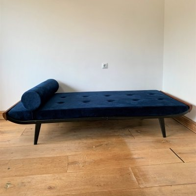 Cleopatra day bed by Andre Cordemeyer for Auping