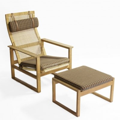 Børge Mogensen Model 2254 Oak Sled chair in cane with footstool